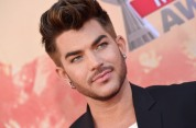 Adam on the red carpet at the 2015 iHeart Music Awards (March 29, 2015)